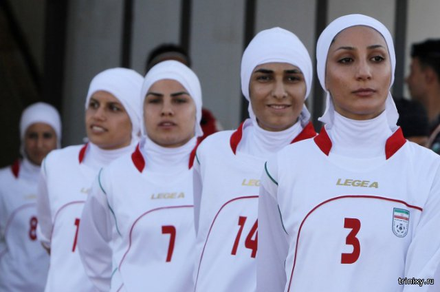 8 футболисток женской сборной Ирана оказались мужчинами