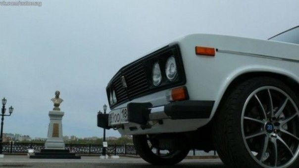 Абсурдный тюнинг: BMW 3-Series в стиле ВАЗ-2106