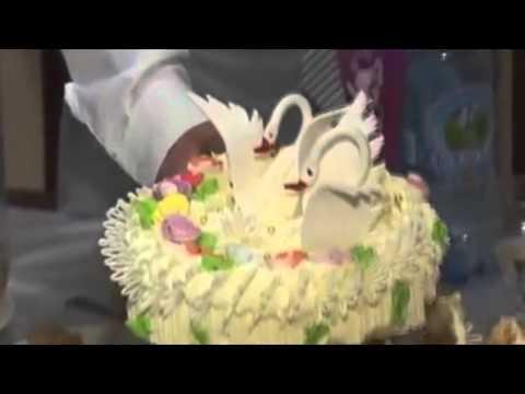 Невеста поймала падающий торт