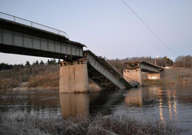 В Архангельской области рухнул мост
