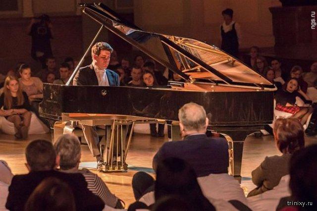 Пианист Денис Мацуев сломал рояль во время выступления