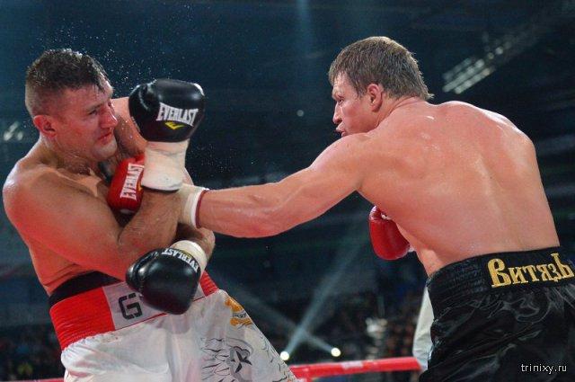 Александр Поветкин одержал победу над Мариушем Вахом и защитил свой титул