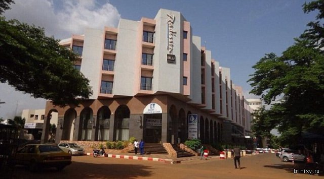 В Мали вооруженные террористы взяли в заложники 170 человек