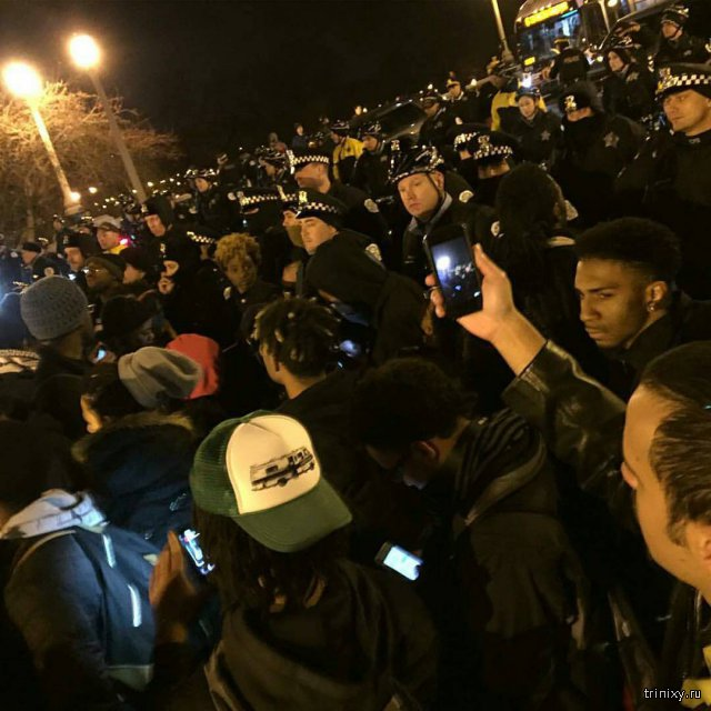В Чикаго прошли акции протеста против полицейского произвола