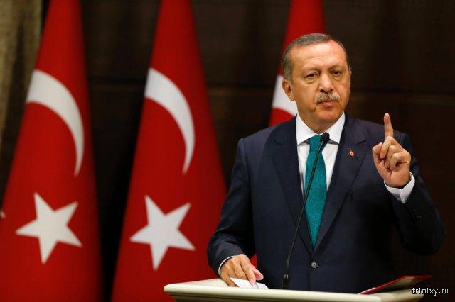Президент Турции Реджеп Эрдоган обвиняет Россию в торговле нефтью с ИГИЛ