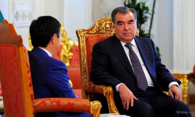 Президент Таджикистана Эмомали Рахмон получил статус \