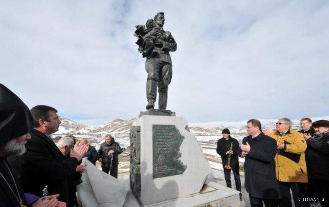 В Армении открыли памятник советским воинам