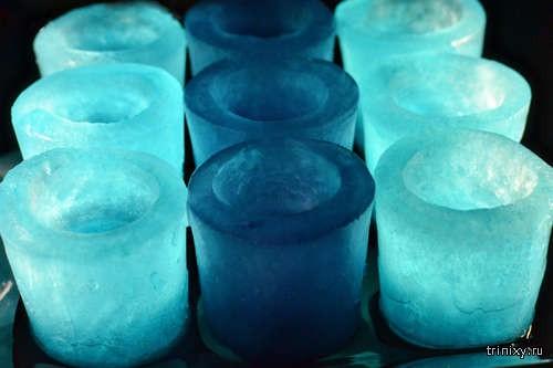 Как самому сделать оригинальные ледяные стопки для крепких напитков?