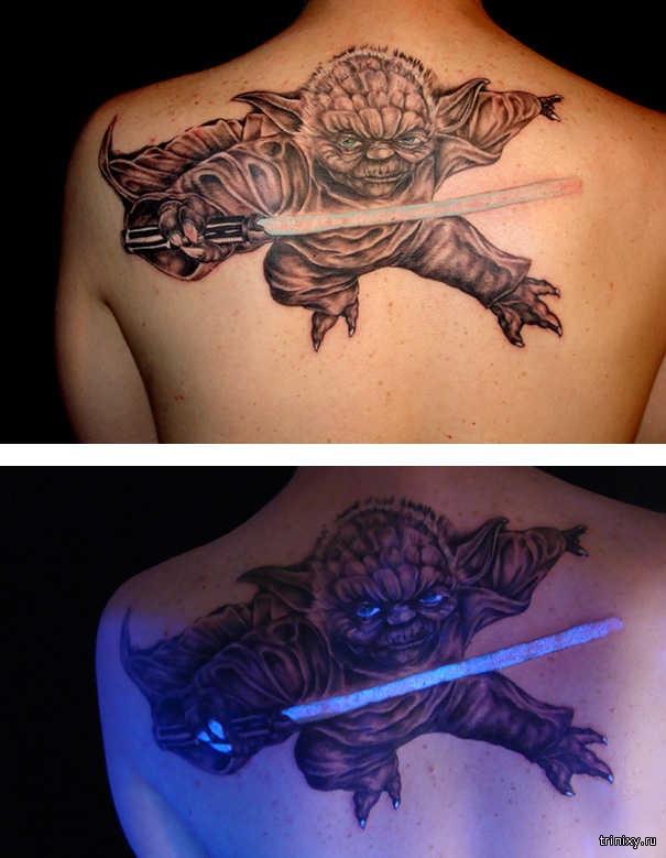 Прелестная татуировка, светящаяся в темноте