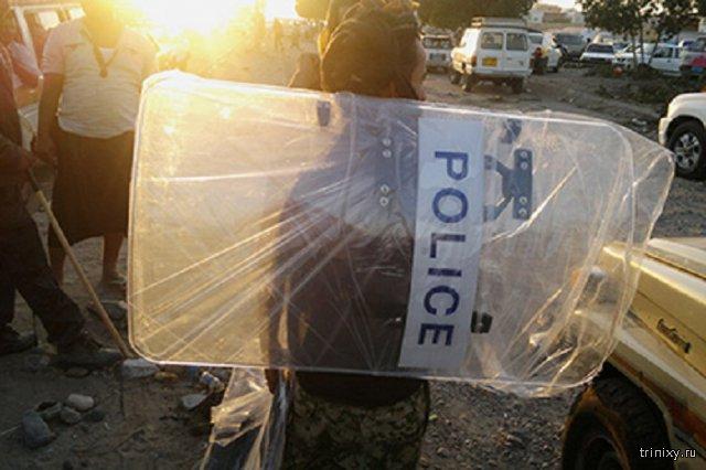 В Йемене террорист-смертник подорвался рядом с толпой новобранцев