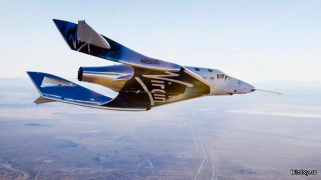 Новый космический корабль SpaceShipTwo произвел свой первый самостоятельный полет