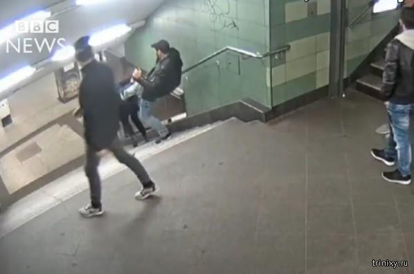 В Берлине задержан подозреваемый в жестоком нападении на девушку в метро