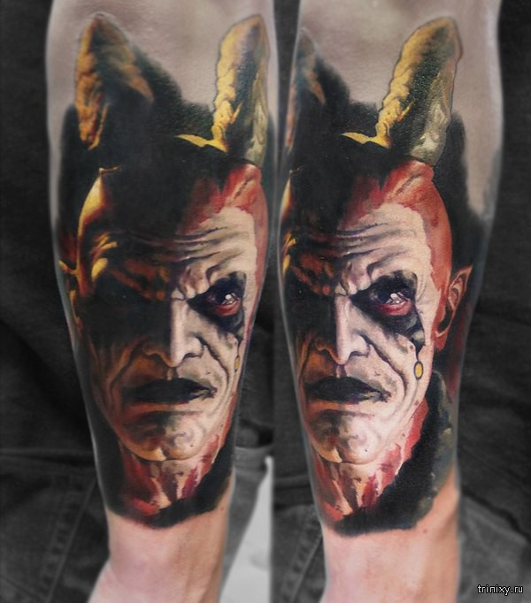 Невероятные татуировки Валентины Рябовой