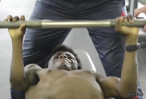 32-килограммовый юноша мечтает стать профессиональным бодибилдером