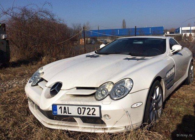 Конфискованный Mercedes SLR на открытой площадке в Чехии