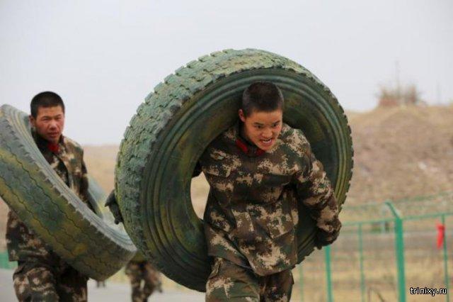 Тренировка солдат в китайской армии