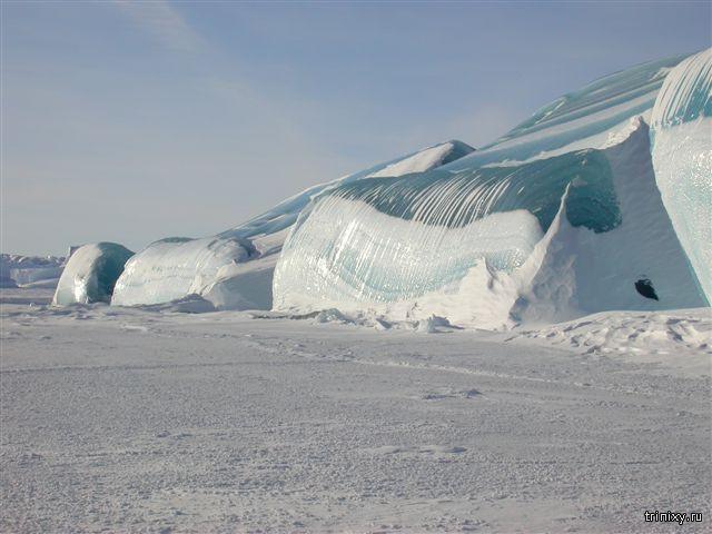 Замерзшая волна или цунами?