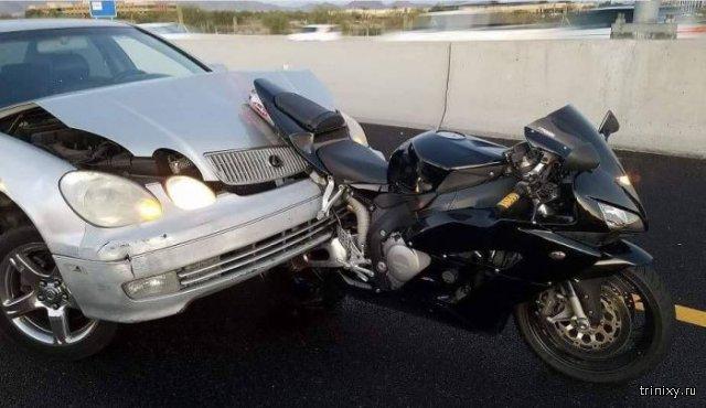 Мотоцикл против автомобиля