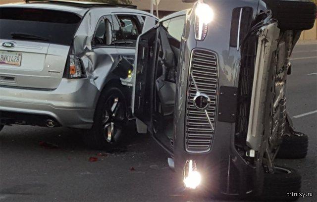 Внедорожник Uber на автопилоте попал в серьезную аварию