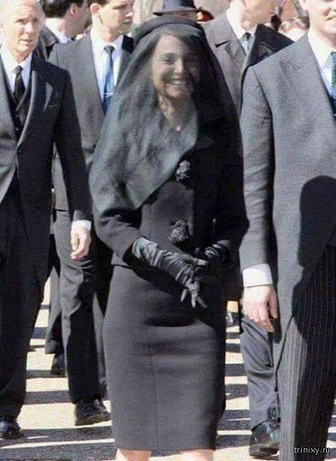 Счастливая вдова Дэвида Рокфеллера на похоронах?