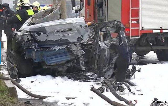 В Москве погиб стритрейсер на Maserati, врезавшийся в столб