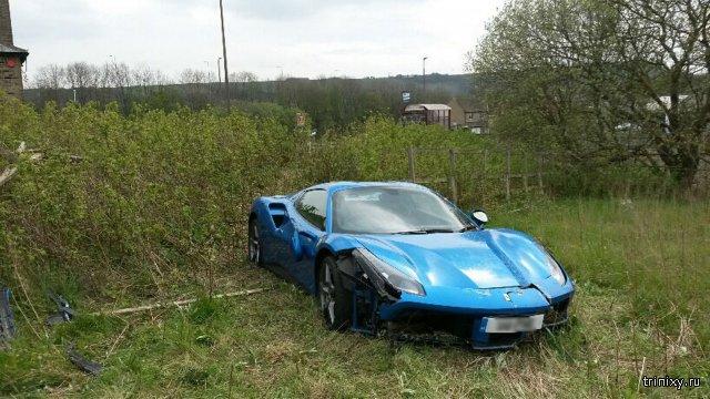 В английском поле нашли брошенный спорткар Ferrari 488 GTB