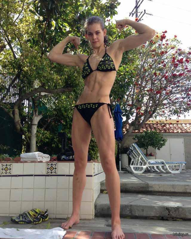 Хакеры выложили откровенные фото спортсменок UFC