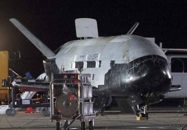 Американский беспилотник X-37B совершил посадку после рекордного пребывания в космосе
