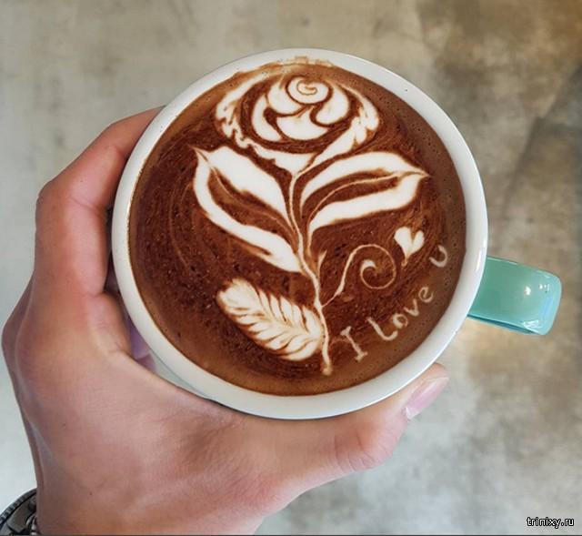 Южнокорейский бариста стал известен благодаря оригинальным рисункам на кофе