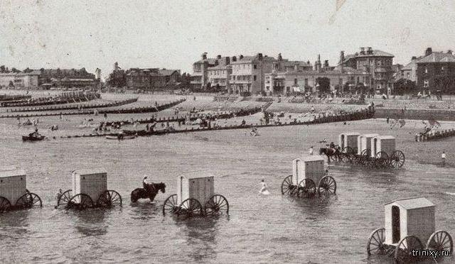 Как купались скромницы XIX века