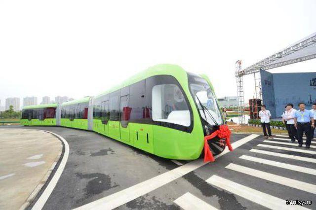 Китайский трамвай на колесах
