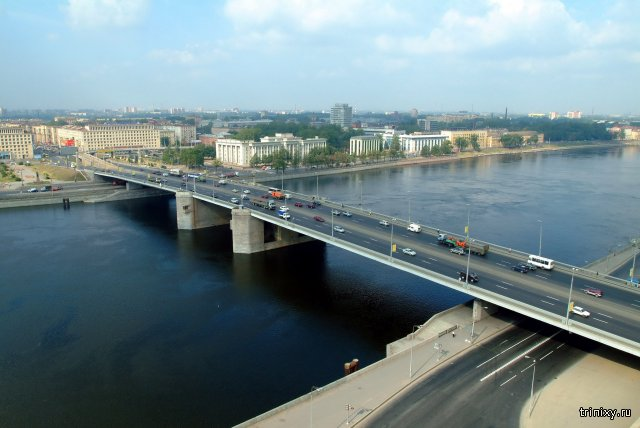Стала известна причина внепланового развода Володарского моста