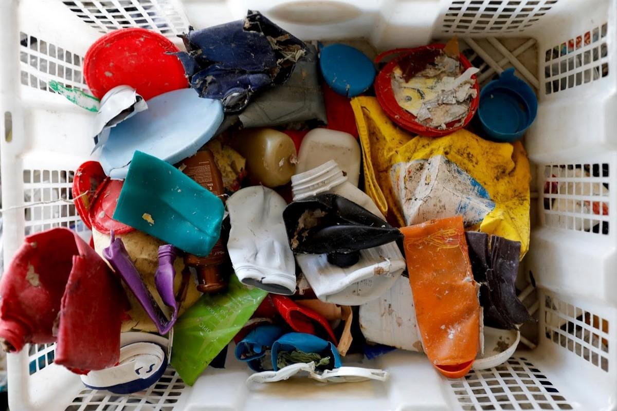 Индонезийская деревня выживает за счет импортного мусора