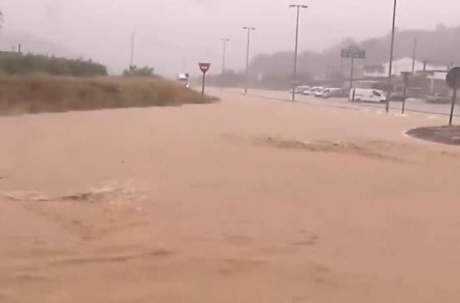 Последствия ежегодных наводнений и ливней в Испании показали на видео