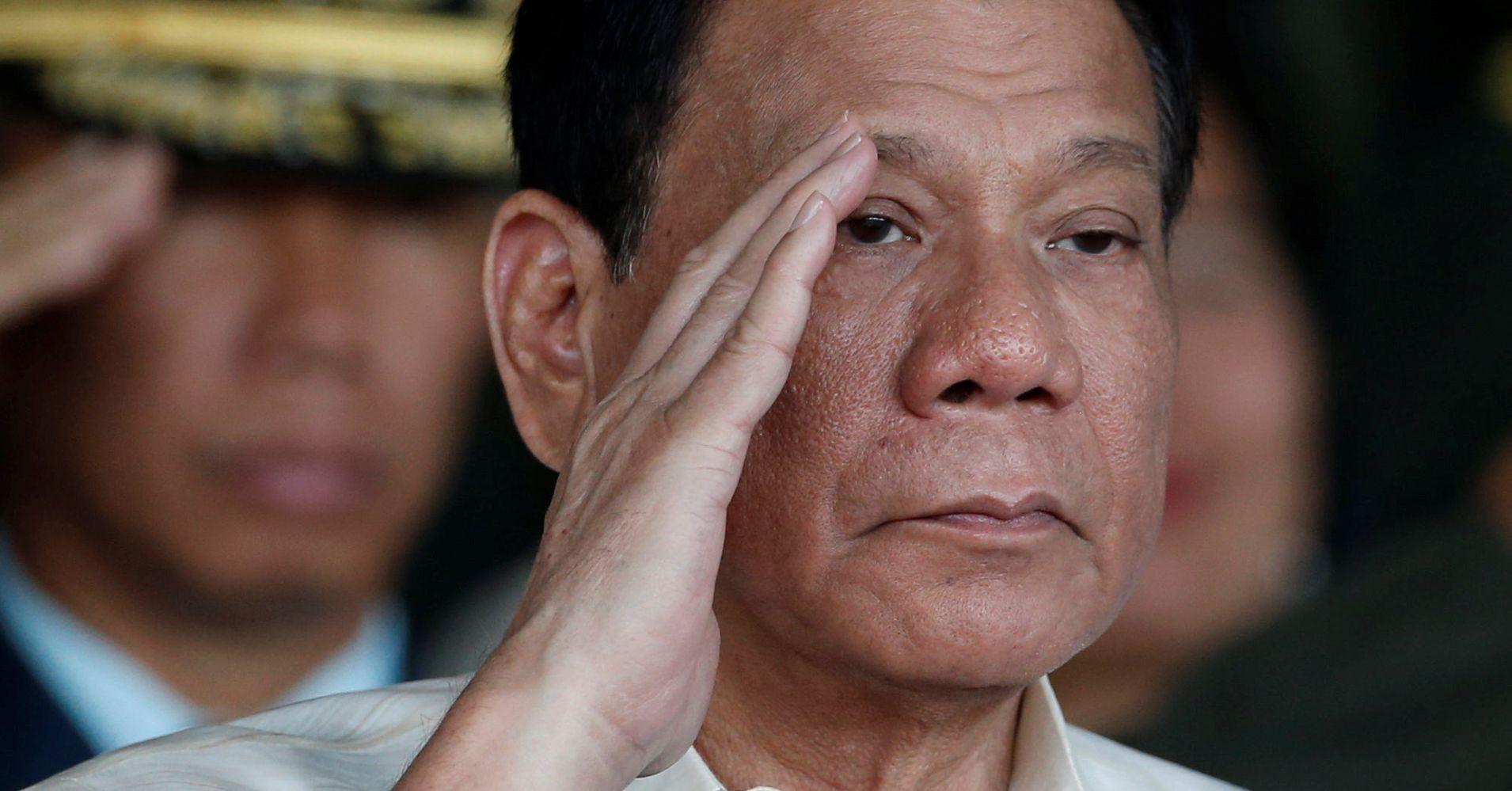 Президент Филиппин разрешил жителям стрелять в коррупционеров. Убивать их все еще нельзя