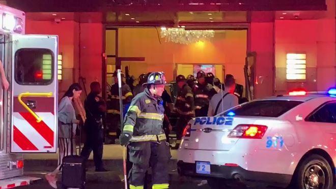 В штате Нью-Йорк машина въехала в вестибюль Trump Plaza