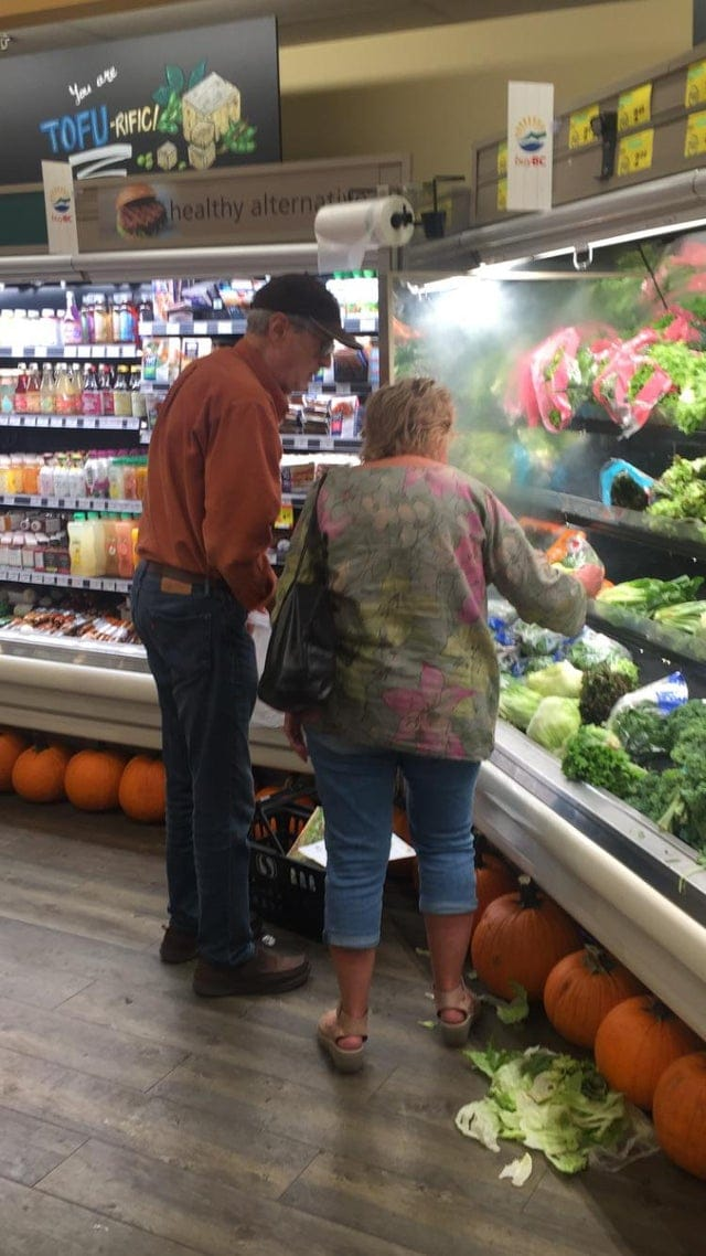 Покупатели, которым не помешало бы поучиться хорошим манерам