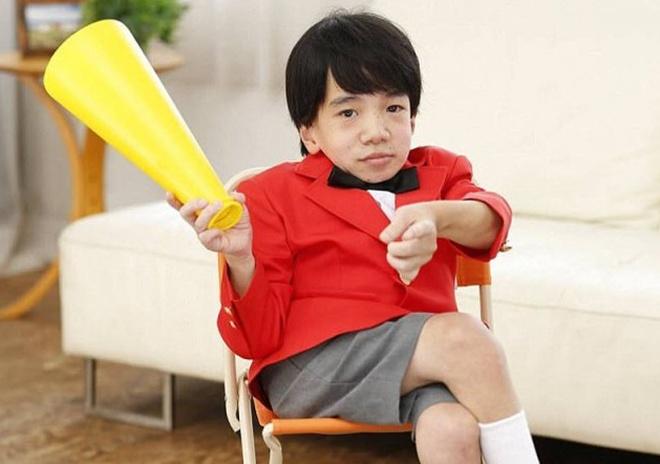 24-летний японский программист, похожий на ребёнка, стал звездой фильмов для взрослых