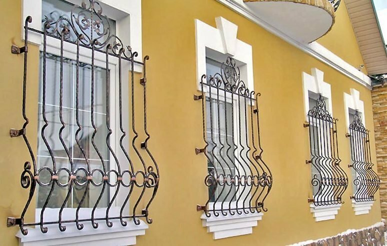 Решётки на окнах с необычным дизайном