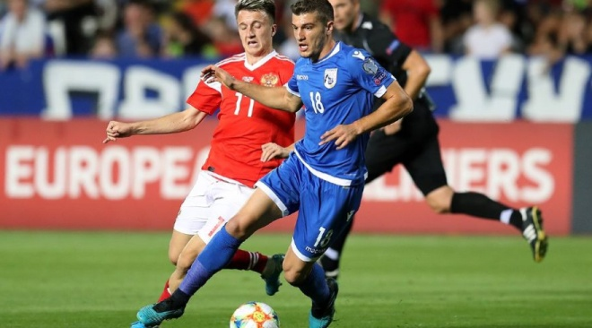 Сборная России по футболу вышла на чемпионат Европы после разгромной победы над Кипром