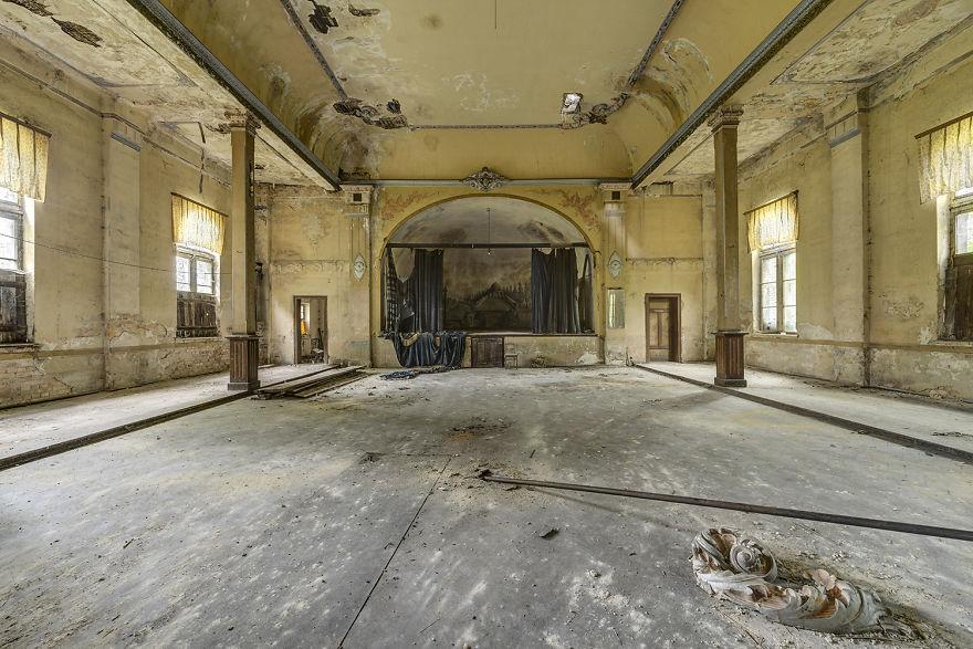 Заброшенные танцевальные залы в Германии
