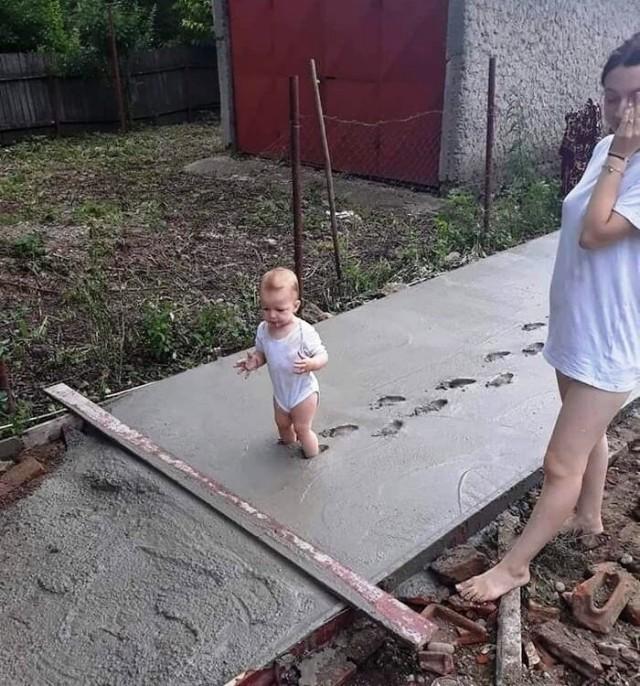 Очень странные дети в непонятных ситуациях