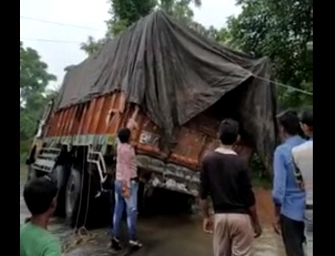 Разгрузка грузовика пошла не по плану