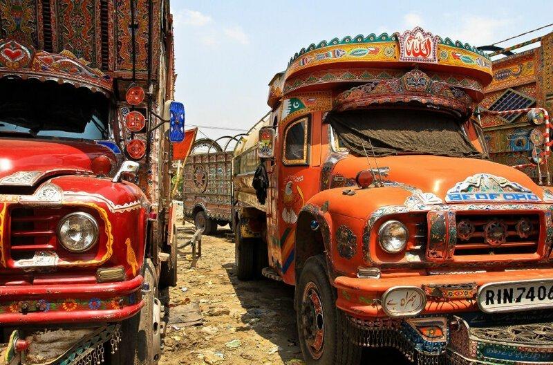 Интересный дизайн автомобилей в Пакистане