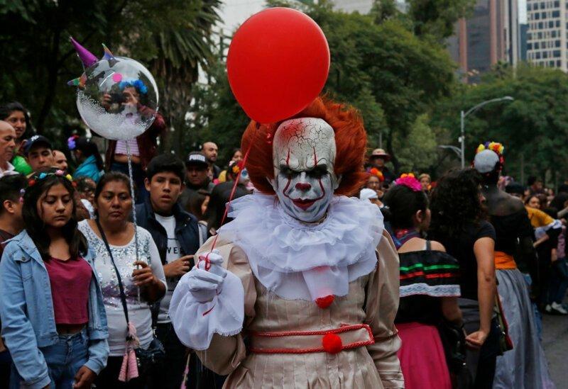 Жутко красиво: наряды мексиканцев ко Дню мертвых