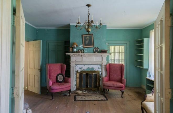 Фотограф нашел «типичный американский» заброшенный особняк 19 века