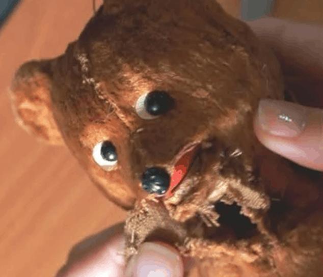Реставратор дала советскому мишке вторую жизнь