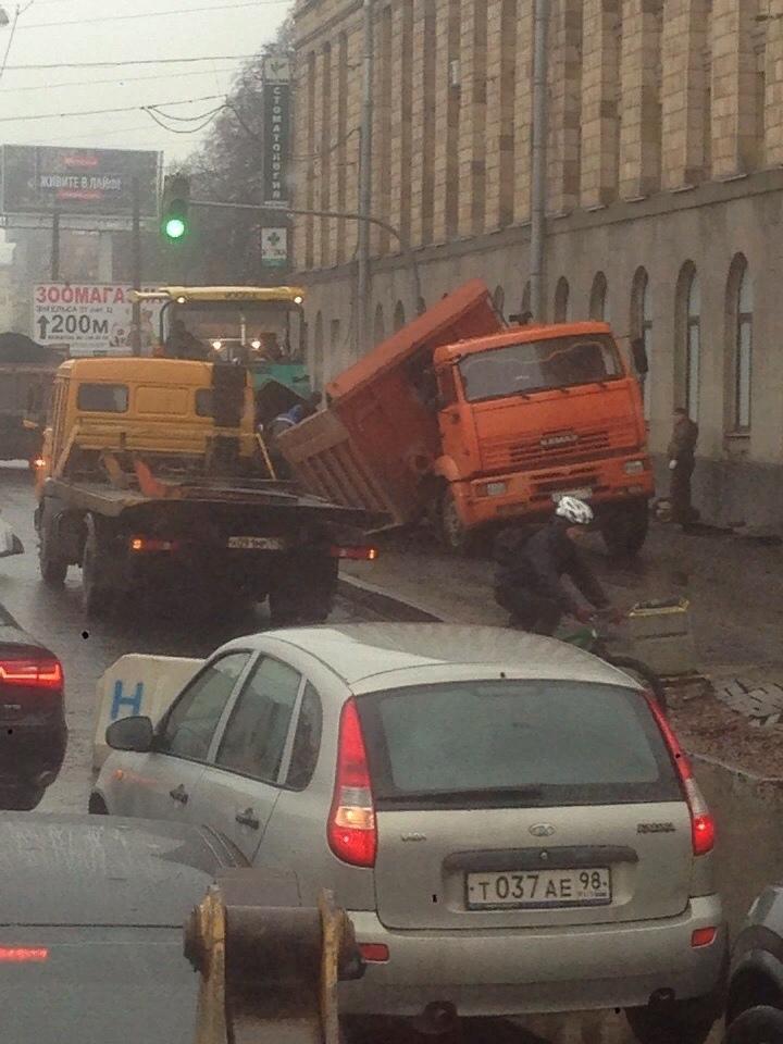 В Питере дорожники опробовали только что построенный участок. И это был эпик-фэйл