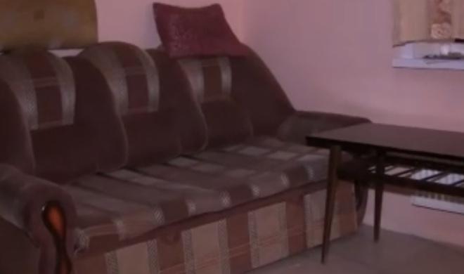 В подвале одного из домов в Перми нашли обустроенную квартиру
