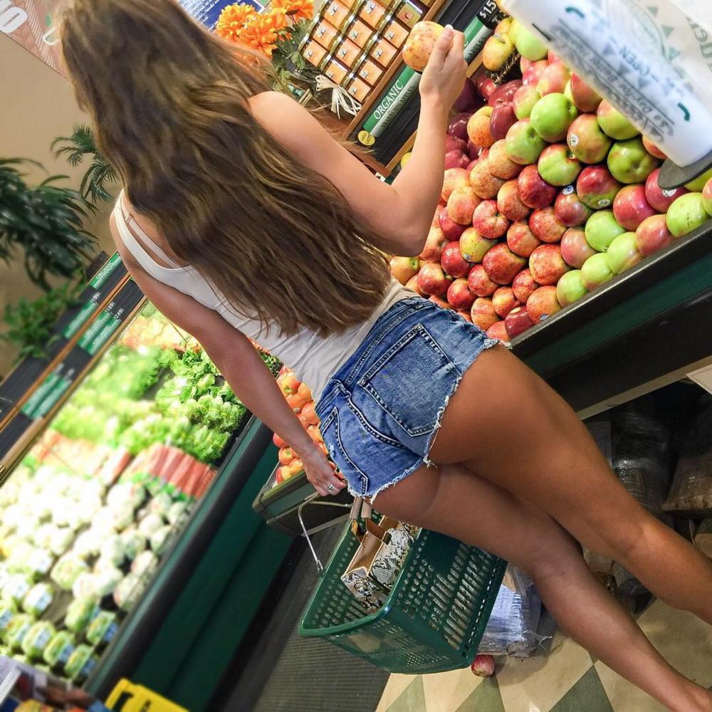 Сексуальные девушки, которых вы можете встретить в магазинах
